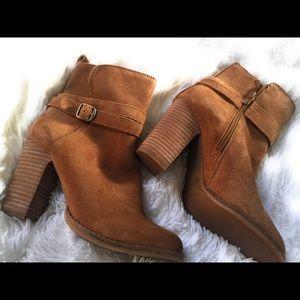 Lucky brand women's boots size 6
